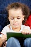 карандаш девушки книги курчавый Стоковое Изображение