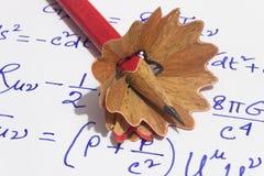 Карандаш и брить в бумаге стоковое фото rf