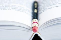 Карандаш на страницах книги Стоковые Изображения RF