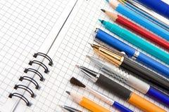 карандаш пер тетради войлока щетки Стоковое Изображение