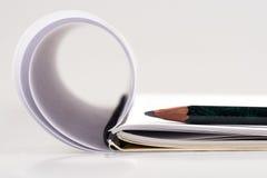 карандаш примечания книги Стоковые Фотографии RF