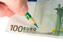 карандаш руки евро счета Стоковая Фотография