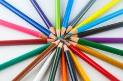 Карандаши цвета изолированные на белом конце предпосылки вверх Стоковые Изображения RF