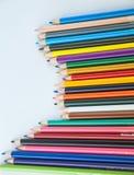 Карандаши цвета изолированные на белом конце предпосылки вверх Стоковая Фотография RF