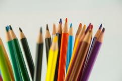Карандаши цвета изолированные на белом конце предпосылки вверх Стоковые Фотографии RF
