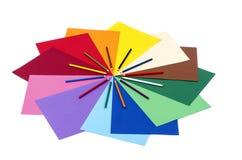 Карандаши цвета на бумаге Стоковые Изображения