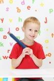 карандаш персонажа из мультфильма мальчика смешной стоковые изображения rf