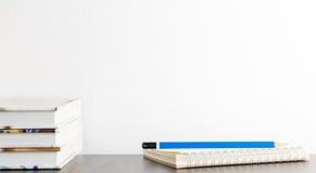 Карандаш тетради на таблице Стоковые Изображения RF