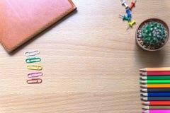 Карандаш цвета на столе Стоковые Фото