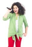 караоке девушки пея детенышам Стоковая Фотография