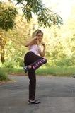 карате девушки предназначенное для подростков стоковая фотография