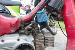 Карбюратор мотоцикла с выполненной на заказ коробкой воздушного фильтра Стоковая Фотография RF