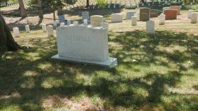 Карданный подвес снятый идти за могилами в кладбище arlington видеоматериал