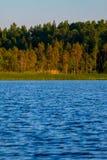Карельское озеро с опушкой Стоковое фото RF