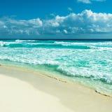 Карибская панорама пляжа, Tulum, Мексика Стоковое Фото