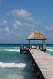 Карибская посадка с снабженными подкладкой местами Стоковое Фото