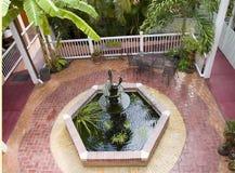 карибский фонтан двора Стоковая Фотография