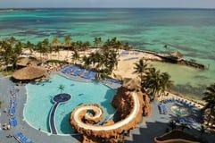 карибское заплывание курорта бассеина океана Стоковые Фото