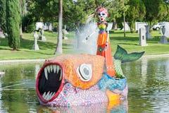 Каркасная скульптура на воде Стоковая Фотография RF