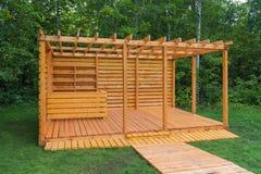 Каркасное деревянное газебо Стоковое фото RF