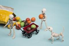 Каркасные дети и конфеты шоколада Стоковые Изображения RF