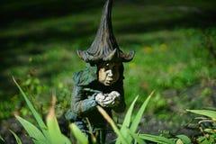 Карлик украшает сад Стоковая Фотография