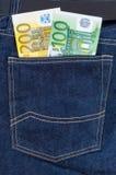 карманн джинсыов евро кредиток Стоковые Изображения RF