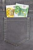 карманн джинсыов евро кредиток Стоковая Фотография RF