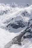 Карнизы лавины и снега весны стоковое фото rf