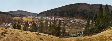 Карпаты, Украина - 2-ое марта 2015: Прикарпатский ландшафт весной Стоковые Фотографии RF