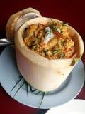 Карри текло морепродукты в чашке кокоса Стоковая Фотография RF