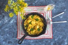Карри цыпленка масла Makhani Murgh с нежными куриной грудкой, сливк, маслом и медом Стоковая Фотография RF