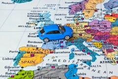 Карта Европы и игрушка автомобиля Стоковые Изображения