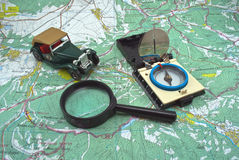 карта компаса стеклянная увеличивая Стоковые Фотографии RF