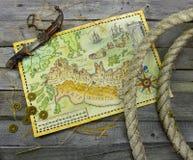 Карта пирата с кренами ножа и веревочки Стоковое Изображение RF