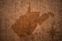Карта положения Западной Вирджинии на старой винтажной бумажной предпосылке Стоковая Фотография RF