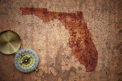 Карта положения Флориды на старой винтажной великолепной бумаге стоковая фотография