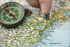 Карта США при карандаш указывая на различное мы город Стоковая Фотография RF