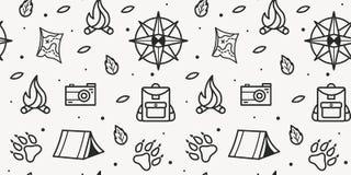 Картина вектора безшовная компаса, лапок, рюкзака, шатра, костра, камеры, карты для туристского символа иллюстрация вектора