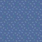 Картина вектора безшовная, маленькие цветки на сини Стоковые Фотографии RF