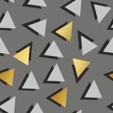 Картина вектора безшовная с золотыми треугольниками Декоративная предпосылка для печатать Стоковые Фотографии RF