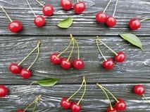 Картина вишни на деревянной предпосылке Стоковое Фото