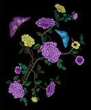 Картина вышивки восточная фольклорная с пионами и бабочками Стоковое фото RF