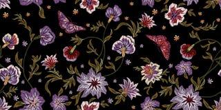 Картина вышивки этническая безшовная с цветками и бабочками Стоковая Фотография