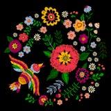 Картина вышивки этническая красочная с птицей и фантазией цветет Стоковая Фотография