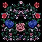 Картина вышивки этническая с упрощает розы и пионы Стоковые Фотографии RF