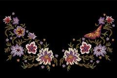 Картина вышивки этническая с цветками и бабочкой Стоковые Изображения