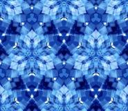 Картина голубого калейдоскопа безшовная Составленный абстрактных форм расположенных на белой предпосылке Стоковое Изображение