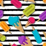 Картина лета вектора безшовная Multicolor мороженое на черной предпосылке striped акварелью Стоковые Изображения RF