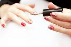 Картина женских ногтей Стоковое Изображение